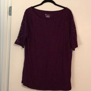 Purple shortsleeved top with lace sleeve